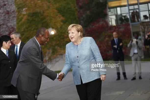 Chancellor Angela Merkel welcomes the heads of state and government of the CompactwithAfrica countries in the honorary court of the Federal...