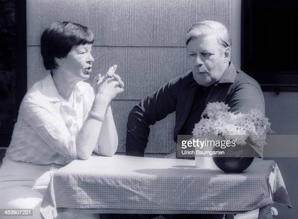 Chancellor Helmut Schmidt and his wife Hannelore during vacation at Brahmsee on August 03 1981 in Brahmsee Germany