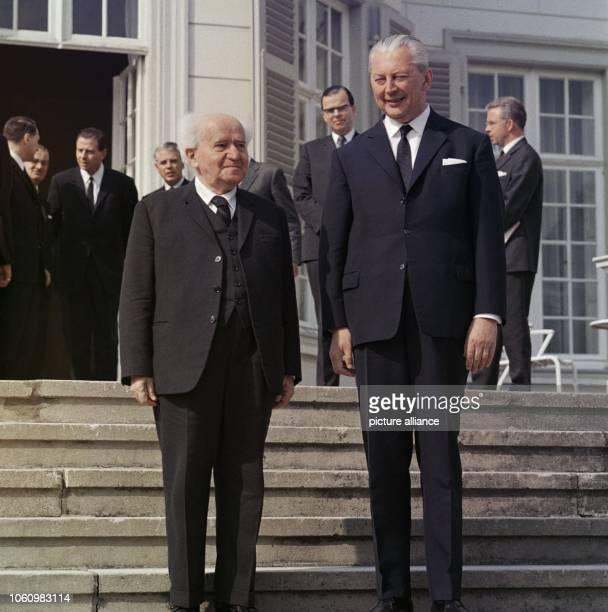 Chancellor Kurt Georg Kiesinger receives former Israeli minister president David Ben Guion on the 26th of April in 1967 in Palais Schaumburg Ben...