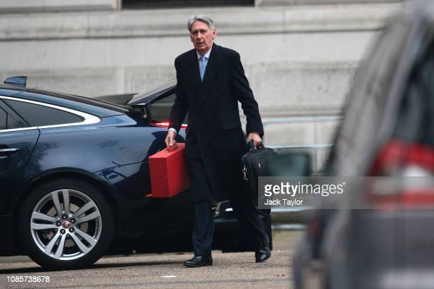 Chancellor of the Exchequer Philip Hammond arrives at Downing Street on January 21 2019 in London England British Prime Minister Theresa May is due...
