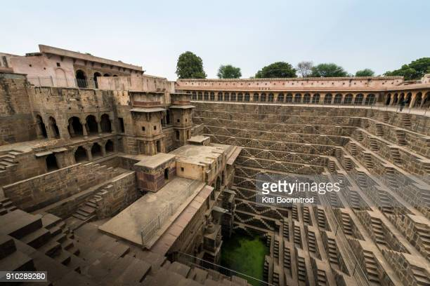 chand baori, a stepwell situated in the village of abhaneri, india - chand baori stock pictures, royalty-free photos & images