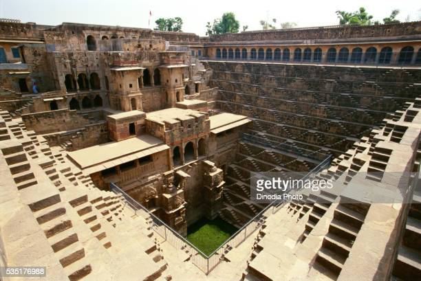 chand baori in abhaneri, rajasthan, india. - chand baori stock pictures, royalty-free photos & images