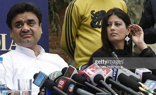 Chander Mohan alias Chand Mohammad, former deputy Chief Minister of Haryana with his Wife Fiza addressing a Press Conference in New Delhi, India