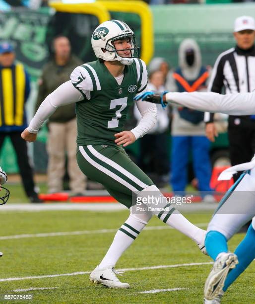 Chandler Catanzaro of the New York Jets kicks a field goal in an NFL football game against the Carolina Panthers on November 26 2017 at MetLife...