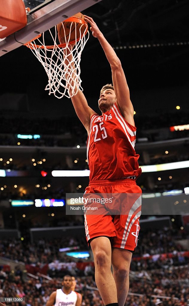 Chandler Parsons #25 of the Houston Rockets goes to the basket during the game between the Los Angeles Clippers and the Houston Rockets at Staples Center on February 13, 2013 in Los Angeles, California.