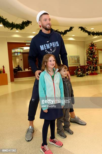 Chandler Parsons of the Memphis Grizzlies visits with children on December 18 2017 at LeBonheur Children's Hospital in Memphis Tennessee NOTE TO USER...