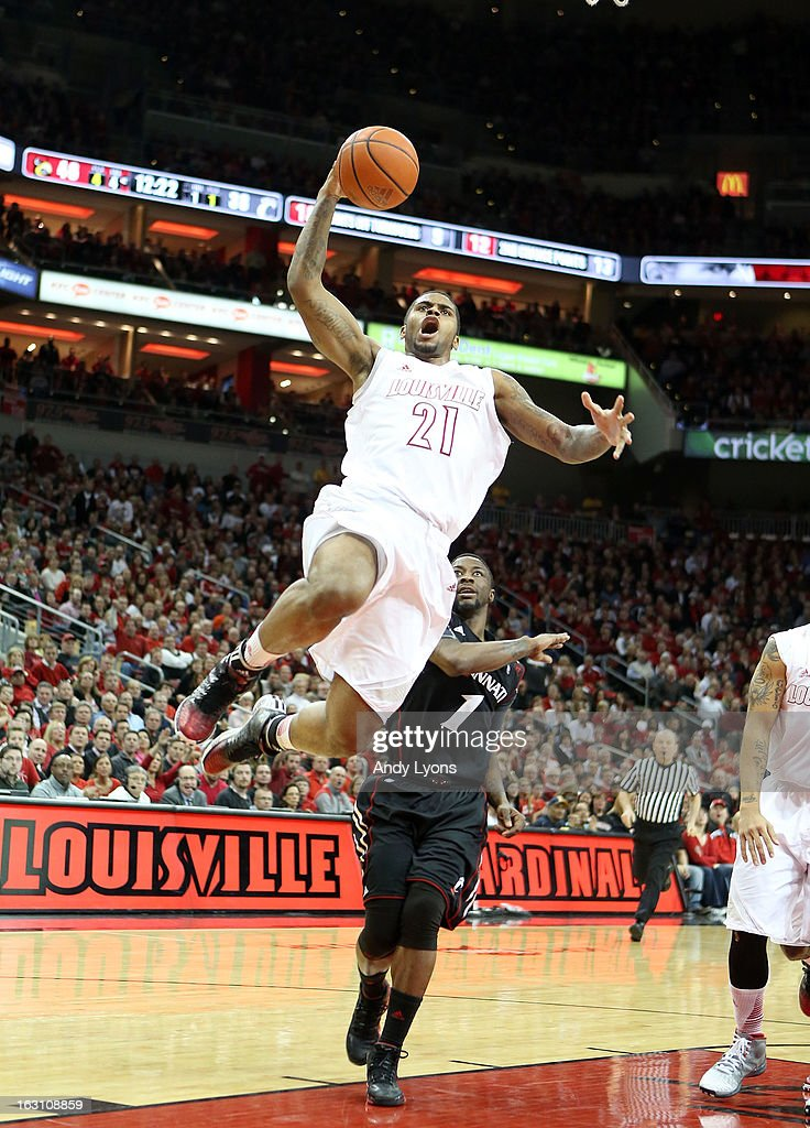 Chane Behanan #21 of the Louisville Cardinals shoots the ball during the game against the Cincinnati Bearcats at KFC YUM! Center on March 4, 2013 in Louisville, Kentucky.