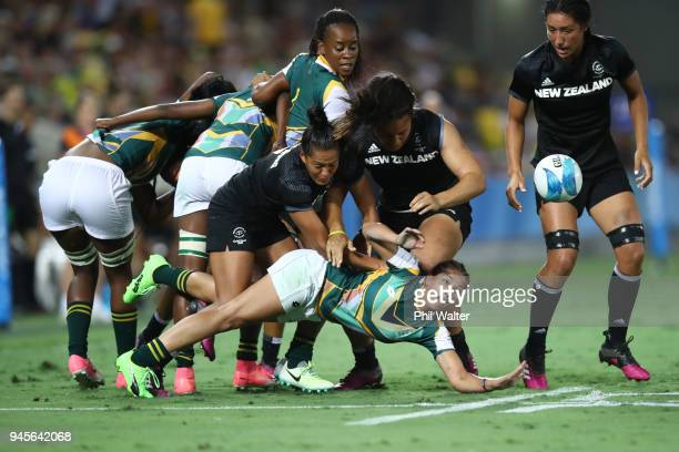 Chane Stadler of South Africa passes in the womens match between New Zealand and South Africa during Rugby Sevens on day nine of the Gold Coast 2018...