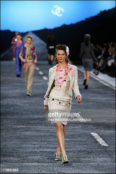 Chanel FallWinter 20042005 ReadytoWear fashion show details in Paris France On March 05 2004