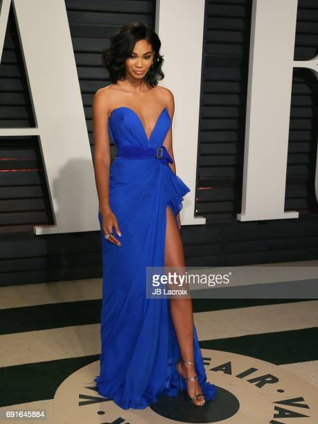 Chanel Iman attends the 2017 Vanity Fair Oscar Party hosted by Graydon Carter at Wallis Annenberg Center for the Performing Arts on February 26 2017...
