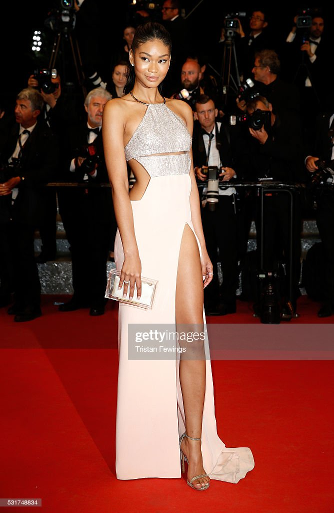 """""""Hands Of Stone"""" - Red Carpet Arrivals - The 69th Annual Cannes Film Festival : News Photo"""