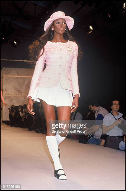 Chanel ready to wear fashion show spring summer 1993 collection in Paris