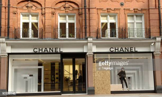 d18c4f7c2190 Stores Still Running Kate Moss Backed Campaigns Despite Recent ...