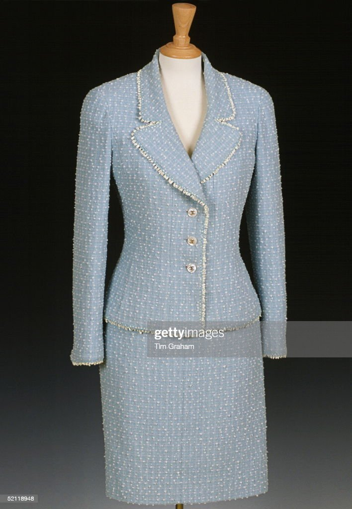 Diana Chanel Suit : News Photo
