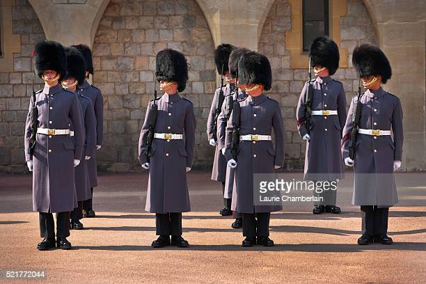 changing of the guard at windsor castle - イギリス バークシャー ストックフォトと画像