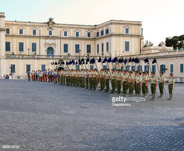 changing of the guards at quirinale palace, piazza del quirinale, rome, italy. - italian military stock pictures, royalty-free photos & images