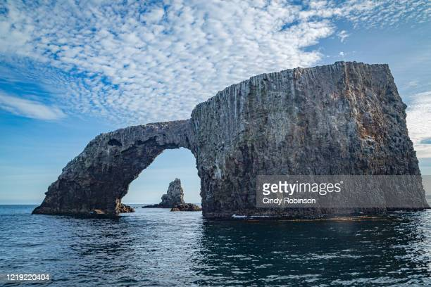 channel islands arch - ベンチュラ市 ストックフォトと画像