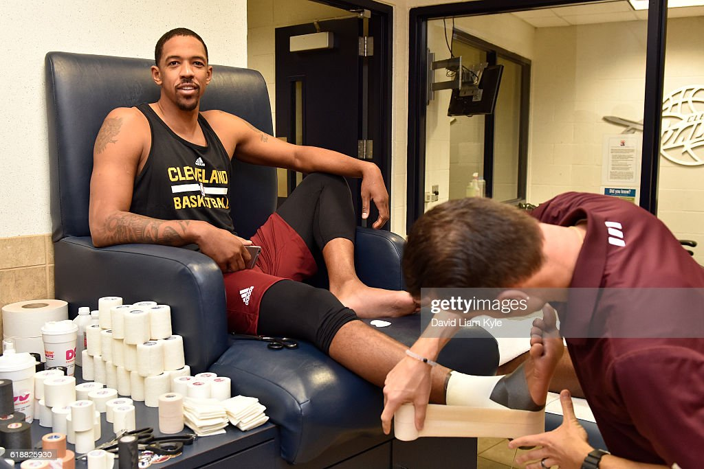 Channing Frye #8 of the Cleveland Cavaliers gets taped up before the game against the New York Knicks on October 25, 2016 at Quicken Loans Arena in Cleveland, Ohio.