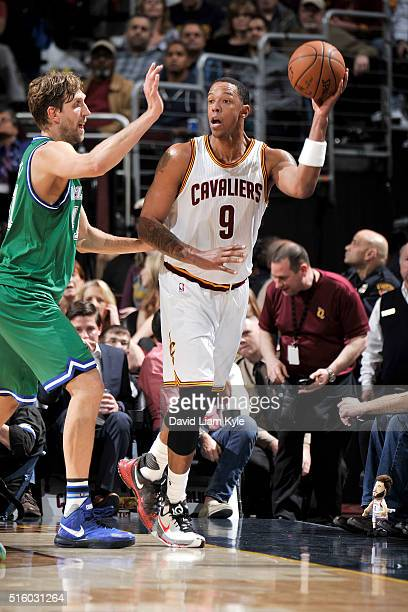 Channing Frye of the Cleveland Cavaliers handles the ball during the game against the Dallas Mavericks on March 16 2016 at Quicken Loans Arena in...