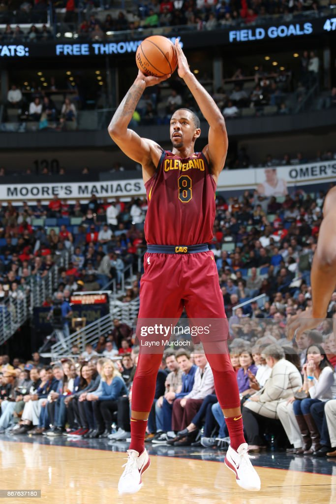 Channing Frye #8 of the Cleveland Cavaliers shoots the ball against the Dallas Mavericks on October 28, 2017 at the Smoothie King Center in New Orleans, Louisiana.