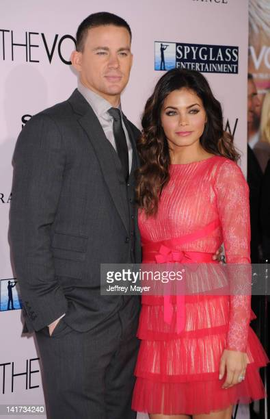 """Channing Tatum and Jenna Dewan arrive at """"The Vow"""" Los Angeles Premiere at Grauman's Chinese Theatre on February 6, 2012 in Hollywood, California."""