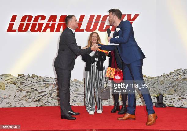 Channing Tatum poses with contest winners as presenter Rick Edwards looks on at the 'Logan Lucky' UK Premiere at Vue West End on August 21 2017 in...