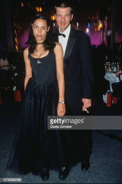 Chantal de Freytas and Kai Wiesinger attend the European Film Award in December 2001 in Germany