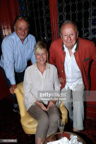Chantal Ladesou sitting between her husband Michel Ansault and Jacques Bertin attend the Plaidoiries Theater Play Runthrough at Theatre Antoine on...