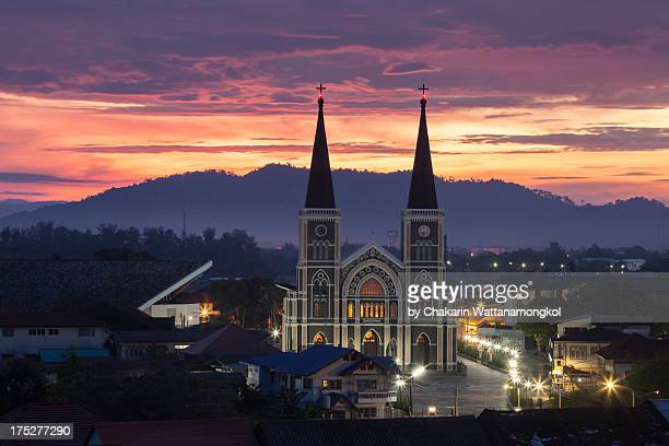 chanthaburi cathedral at dawn - chanthaburi stock pictures, royalty-free photos & images