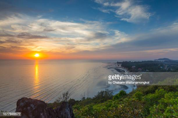 chanthaburi sea view - high angle view of chao lao beach and beautiful sunset sky. - chanthaburi sea stock pictures, royalty-free photos & images