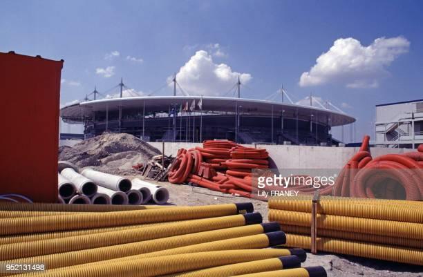 Chantier de construction du Stade de France à SaintDenis en 1997 en SeineSaintDenis France