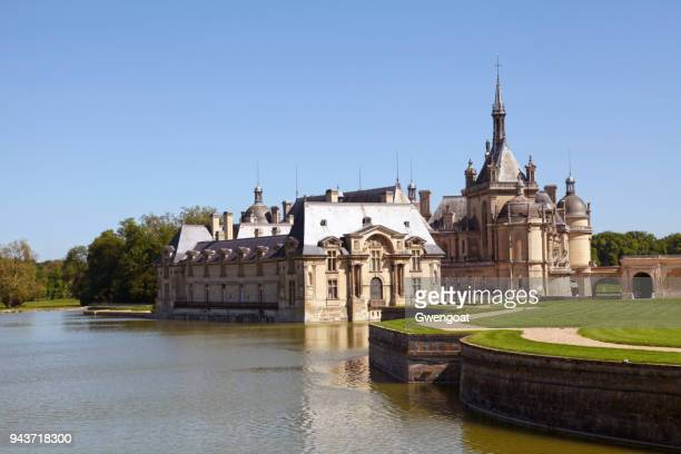 chantilly castle in hauts-de-france - chantilly picardy stock pictures, royalty-free photos & images
