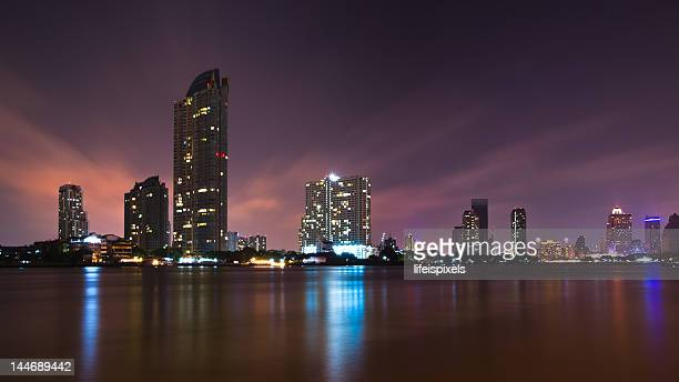 chao phraya cityscape - lifeispixels stock pictures, royalty-free photos & images