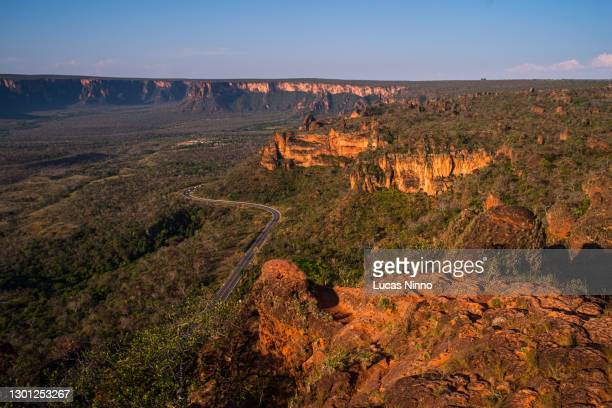chapada dos guimarães sandstone rock formations - brazil stock pictures, royalty-free photos & images