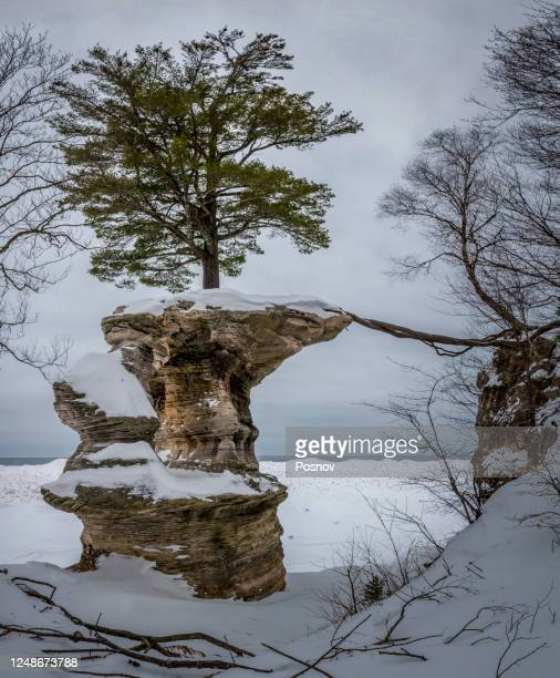 chapel rock in the winter - pictured rocks national lakeshore stock pictures, royalty-free photos & images