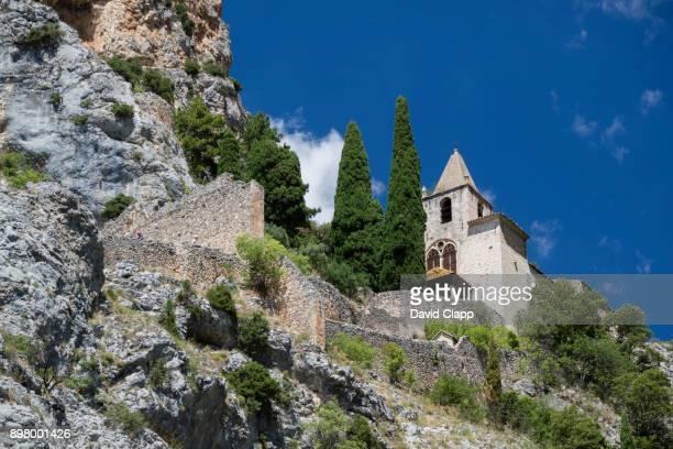 chapelle notre-dame de beauvoir in moustiers sainte marie, france - gorges du verdon photos et images de collection