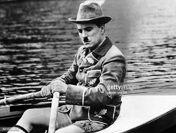 Chaplin Charlie Actor film director Great Britain *16041889 Scene from the movie 'The Great Dictator' Directed by Charles Chaplin USA 1940 Produced...