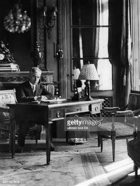 Chaplin Charlie Actor film director Great Britain around 1931 Photographer James E Abbe Vintage property of ullstein bild