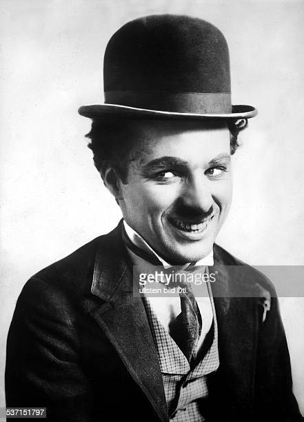 Chaplin Charlie Actor film director Great Britain with his characteristic makeup undated Vintage property of ullstein bild