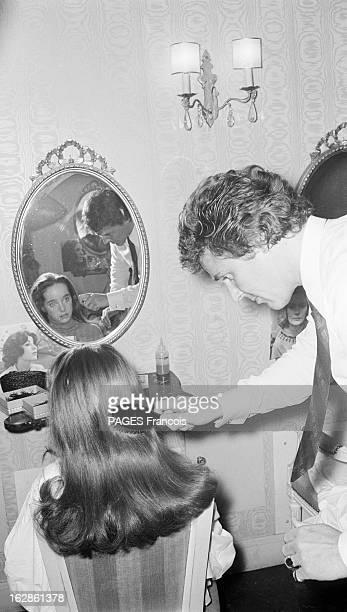 Chaplin With Family At The Hairdresser Le 12 janvier 1967 Victoria CHAPLIN fille de l'acteur et réalisateur Charles CHAPLIN et de Oona O'NEILLCHAPLIN...