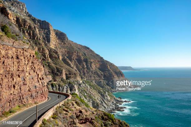 chapman's peak drive - one of the most spectacular drives in south africa, cape peninsula, south africa, november 22, 2018 - província do cabo ocidental imagens e fotografias de stock
