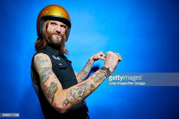 character scooter biker - moto humour photos et images de collection
