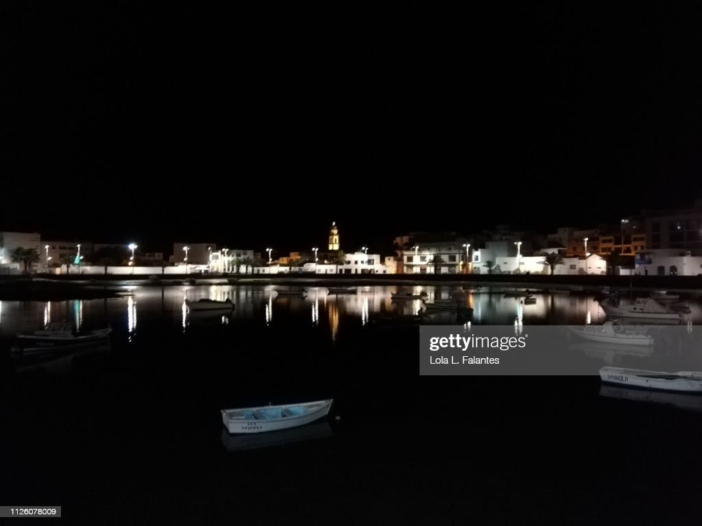 Charco de San Ginés at night, Arrecife : Foto de stock
