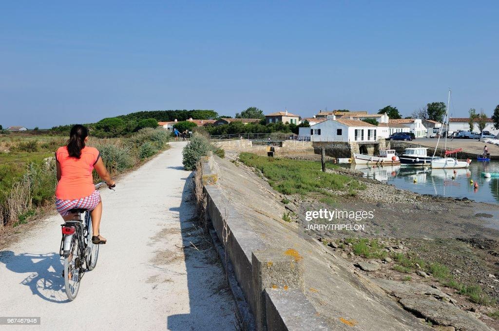 Charente Maritime Ile De Re Loix Le Port Et La Piste Cyclable News Photo Getty Images