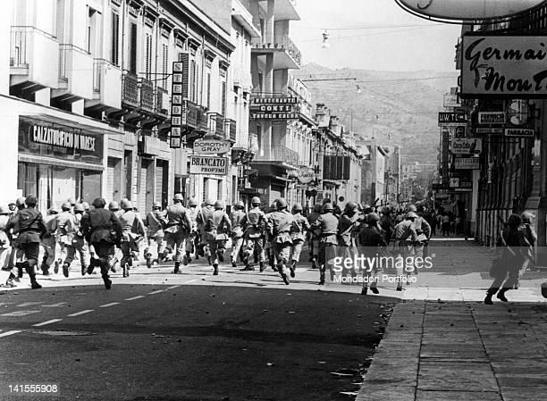 Charge of a police division in Corso Garibaldi during the riot for Reggio regional capital of Calabria Reggio Calabria 1970