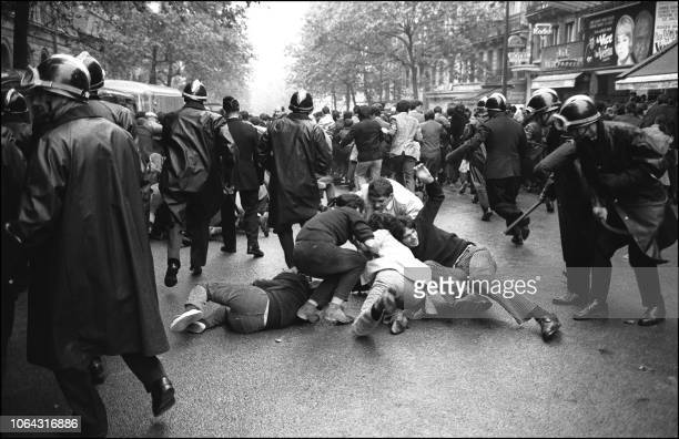 Charge students demonstrating boulevard Saint Michel in the Latin Quarter, June 16, 1968 in Paris, following the evacuation by the police of the...
