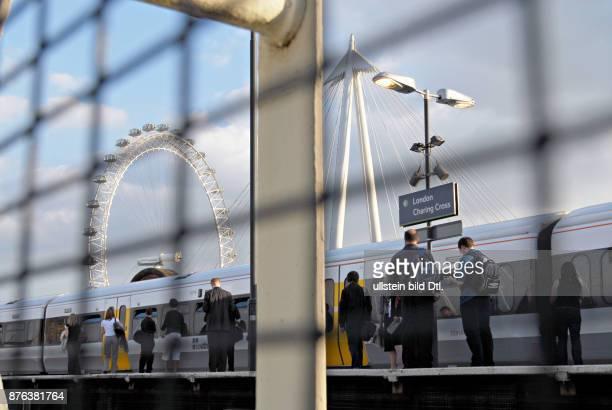 UK Charing cross train station in London Photo © Julio Etchart CDREF00664