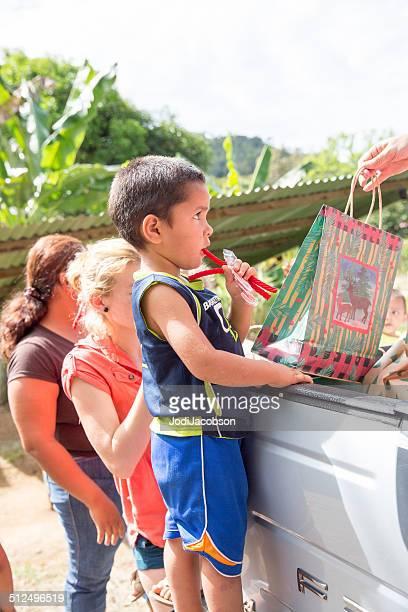 Caridad en Navidad tiempo en Costa Rica