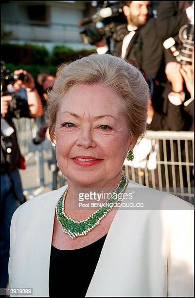 AMFAR charity gala evening the arrival of the guests at the Palm Beach In Cannes France On May 18 2000Doctor Mathilde Krim chairman of AMFAR