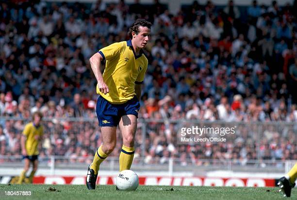 Charity Shield 1979Liverpool v ArsenalLiam Brady on the ball